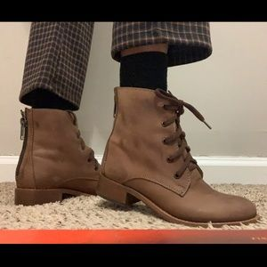 Steve Madden Shoes - Steven Madden lace up leather boots